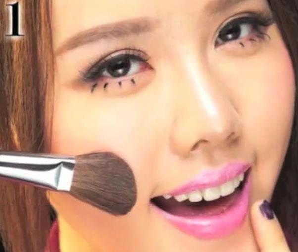 化妆的步骤视频